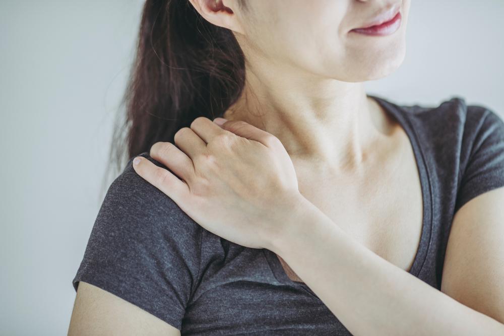 肩こりや身体の歪みに効く?整体の施術内容をご紹介します